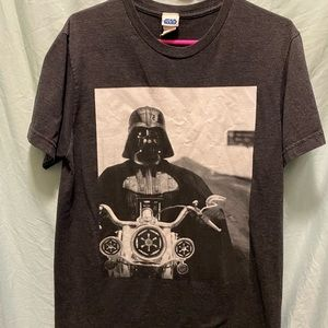 Star Wars Bundle. Two tees Vader and comic